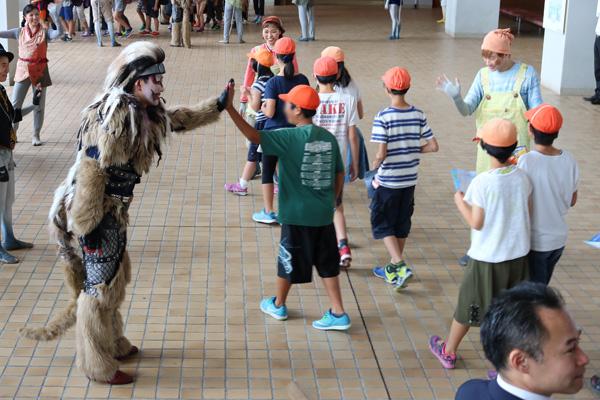 子ども思いの森 子ども思い応援プロジェクト2017 「こころの劇場」の静岡県協賛企業 子どもたちの様子